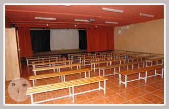 La sala per fer teatre